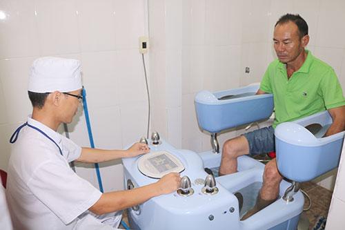 Quy trình kỹ thuật - 19. Điều trị bằng tia nước áp lực cao